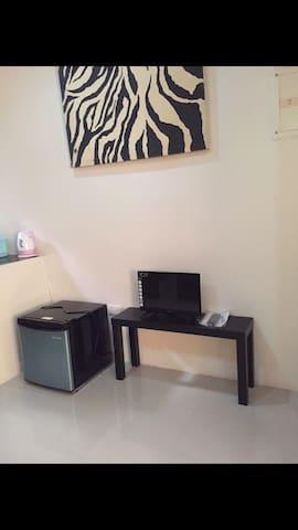 Unit 4-FREE WIFI!Cozy Apartment 2BR - Laoag City - Leilighet