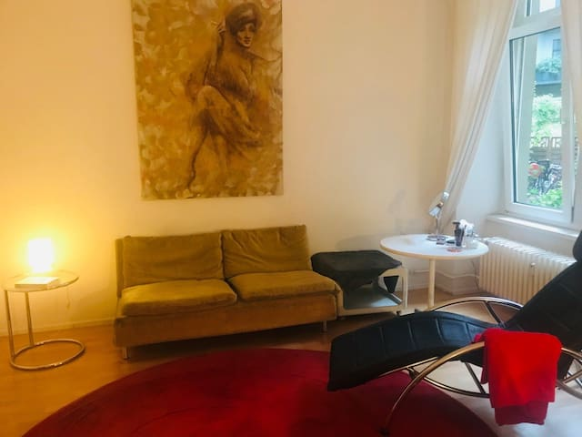 Großes Zimmer in Kreuzberg für Oktober
