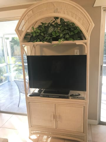 Smart TV with Cable