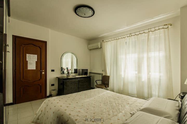 Monet  deluxe con balcone e bagno privato interno