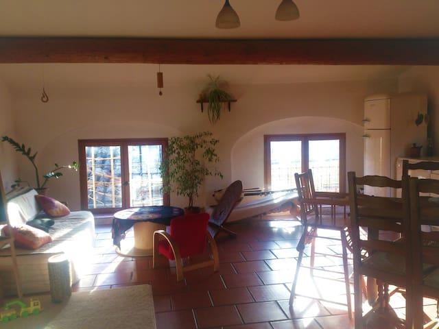 Appartement avec terrasse et chambre privée