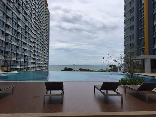 Lumpini Park Beach Jomtien - Beachfront living