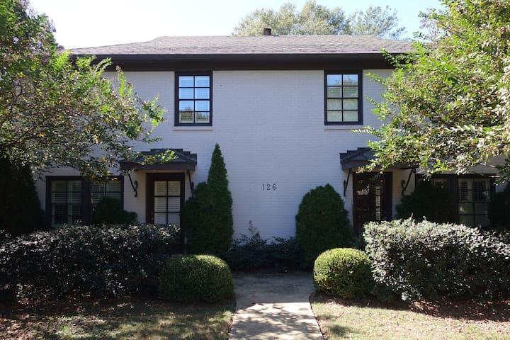 Elegant Edgewood Condo (Homewood) - Homewood - Condominium