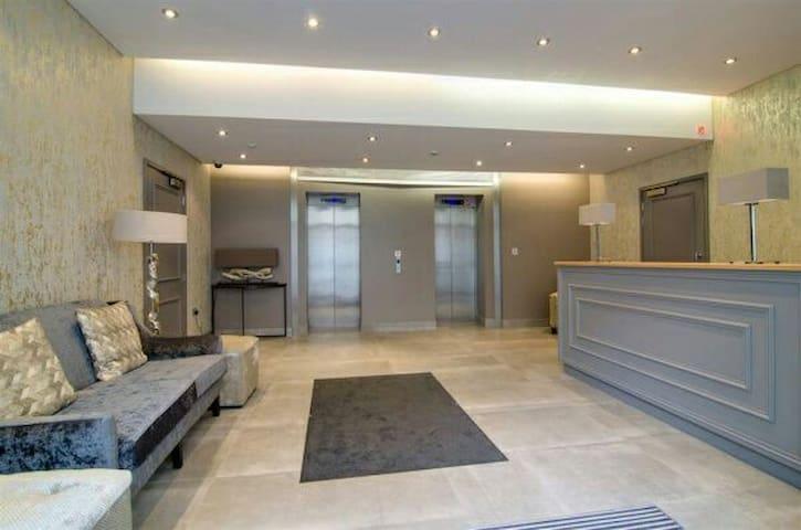*Luxury Belfast City Centre Tower Apartment