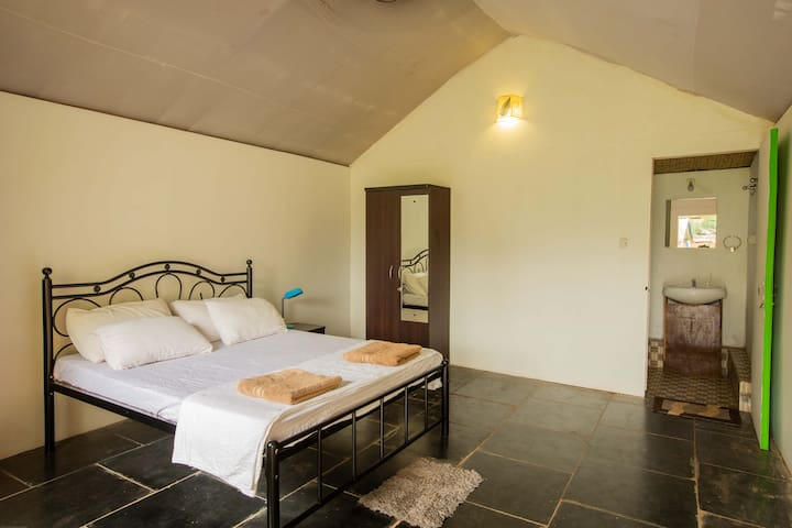 Private Cottage with Garden View (Shivalay)