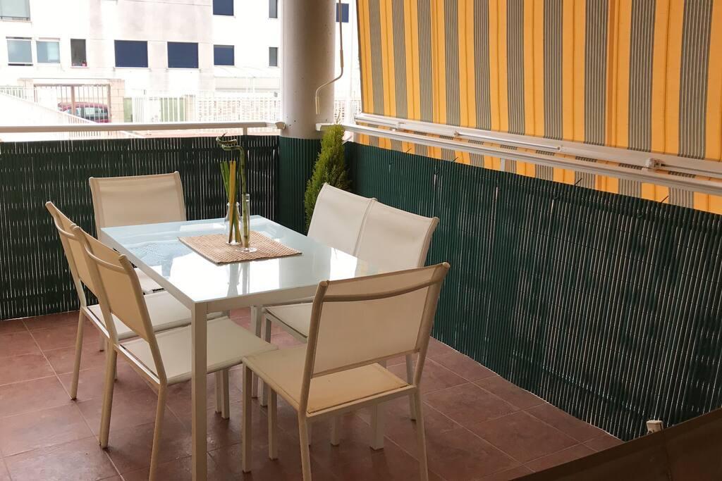 Casa playa con piscina valencia apartamentos con for Apartamentos con piscina en valencia