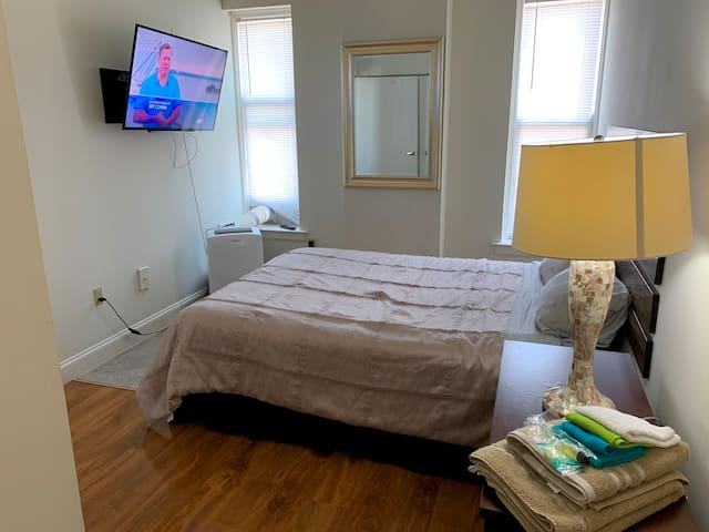 1BR on 18th Floor in a Downtown Highrise - Walk to Beale Street or Convention Center