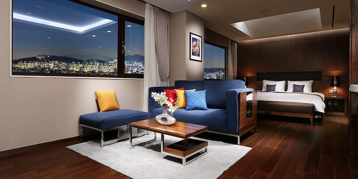 Royal Suite / AMANTI / Business friendly 4 star