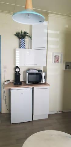 Studio privé avec cuisine et sdb wc