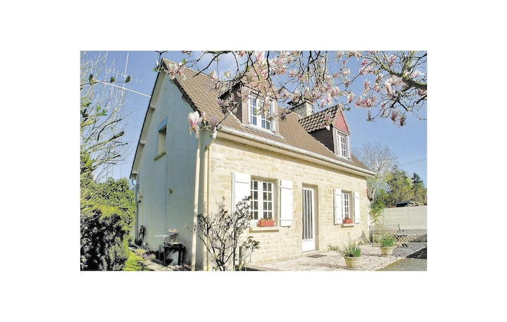 Holiday cottage with 3 bedrooms on 145m² in Blosville