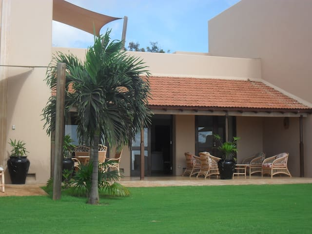 Breath-taking 3 bedroom Golf Course Villa - Mombasa - Vila