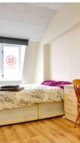 comfy room 4