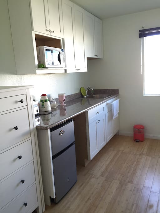 Mini kitchen for your convenience