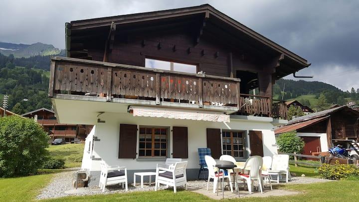En Suisse à la montagne aux Diablerets