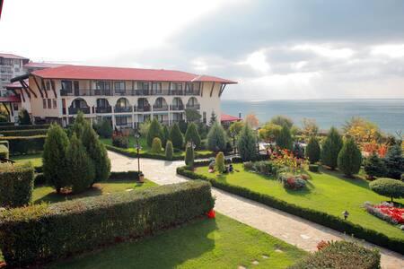 Beach Apartment Manastira 1