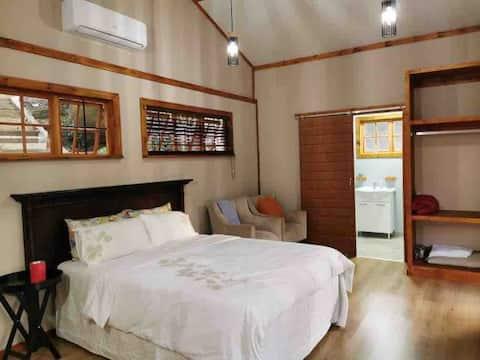 Sibebe Hills Cabin 1245