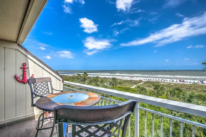 313 Breakers- 3rd Floor Oceanfront & Fully Renovated