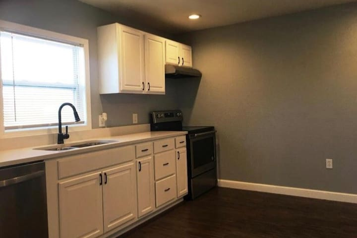 Central Columbia Remodeled Bungalow