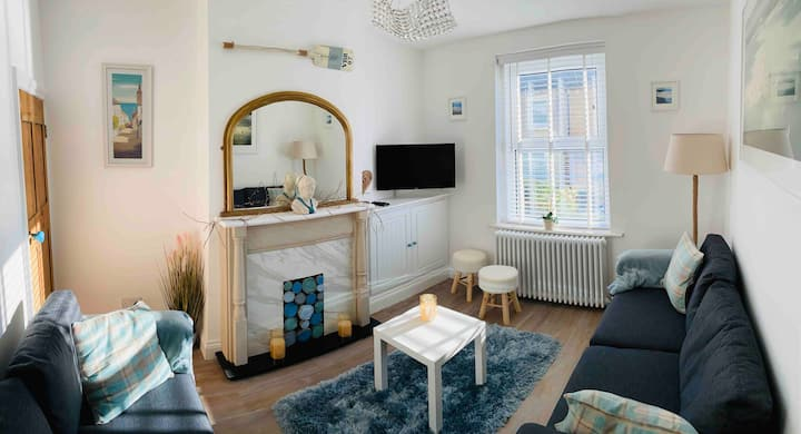 NEW Seascape Cottage, Perfect Seaside Holiday Home