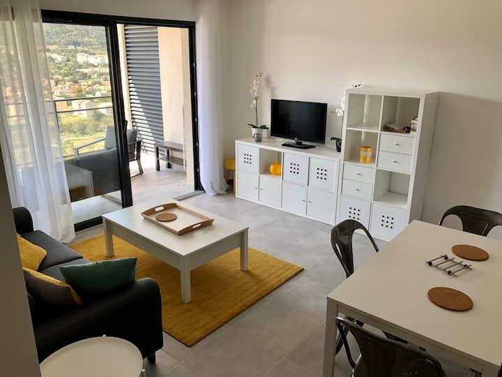 T2 41 m² avec terrasse et parking Privée