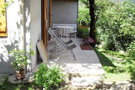 petite maison indépendante, mezzanine et terrasse