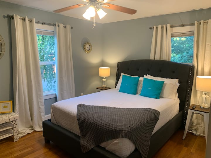 NEW 2 bedroom Walkable to the Square and MTSU