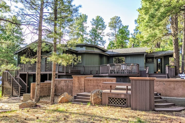 *Peace+Pines Paradise* - Cozy Luxury in the Forest