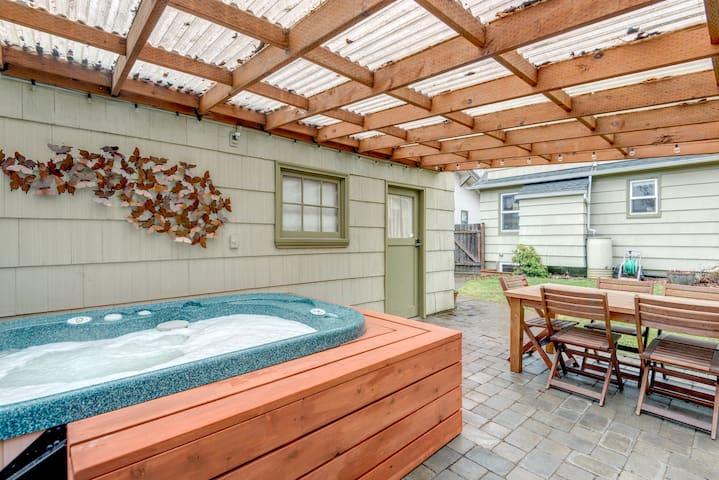 Portland 39 s hawthorne hideaway 2 bdrms own floor guest - 2 bedroom suites portland oregon ...
