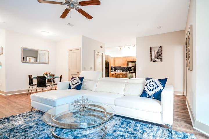 Modern Midtown Hideaway Suite