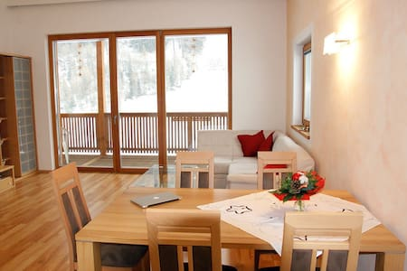 """Charming Apartment """"Ferienwohnung Balkon"""" with Mountain View, Balcony & Terrace; Parking Available"""