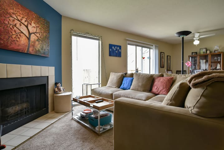 Cozy apartment near nature & hwy - Kansas City - Daire