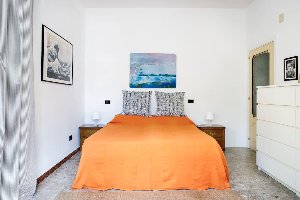 Casa buganville appartamento con cortile giardino for Casa a forma di u con cortile