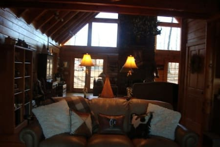 Dream Cabin with Bluff View in Big South Fork