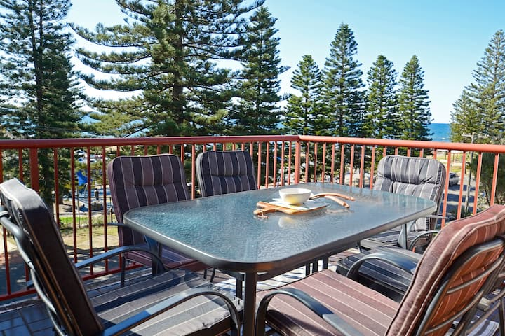 Family Friendly Ocean Retreat on Collaroy Beach