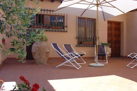 Villa con piscina e vista di Assisi - Bettona