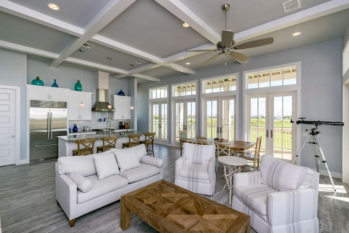 Brand New, Gulf View Home for 12 in Port A - Port Aransas - House