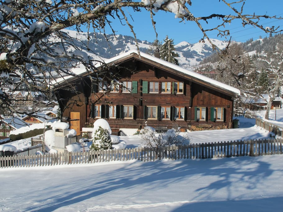 Chalet Hubel im Winter