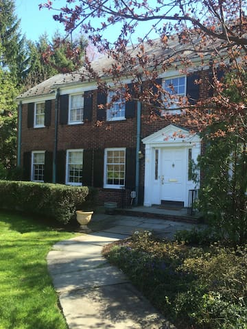 Minutes from NYC, Lovely 3 rooms - Montclair - House