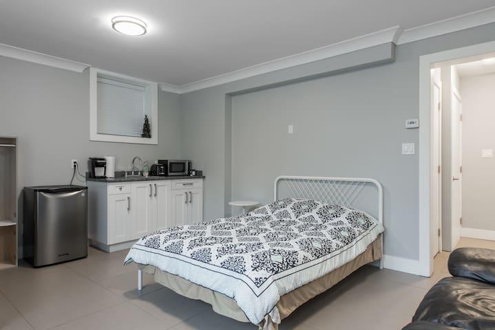 Convenient, affordable, clean  modern studio suite