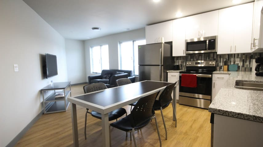 3 BR Apt. in brand new building near Main Quad