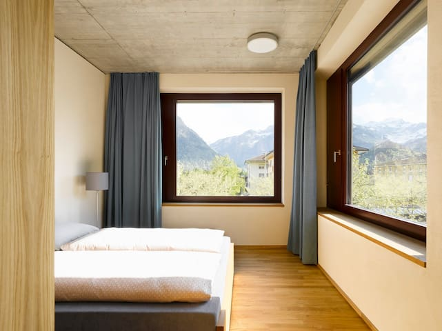 Youthhostel Interlaken, double room, privat bath