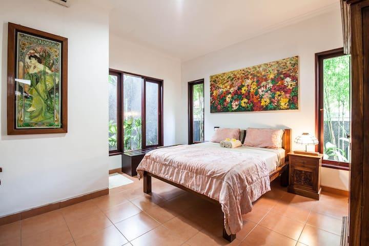Legian/Seminyak  2 Bedroom Villa