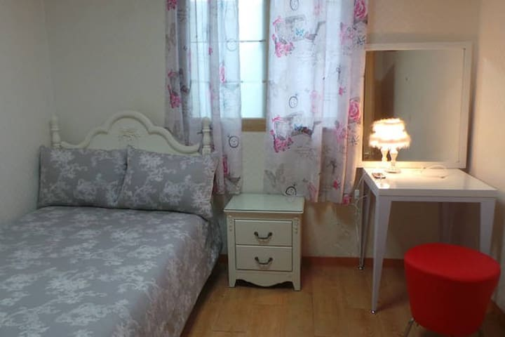room2 super single bed 100x200
