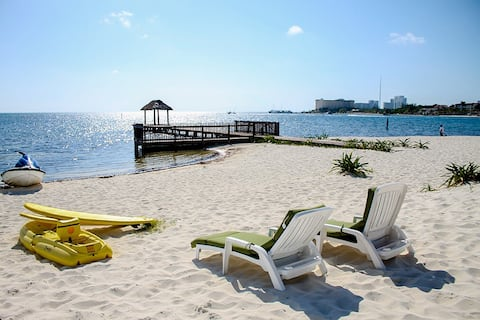Beach Front w/ balcony, private beach (5) discount