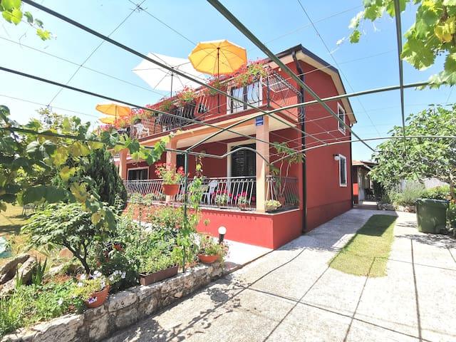 Villa Amaryllis-One Bedroom App with Balcony