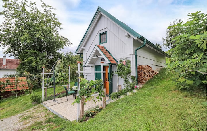 Nice home in Strem with WiFi and 1 Bedrooms