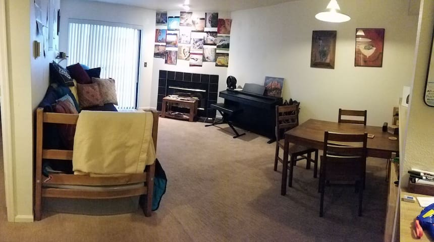 1 Bedroom Apt Close to Downtown