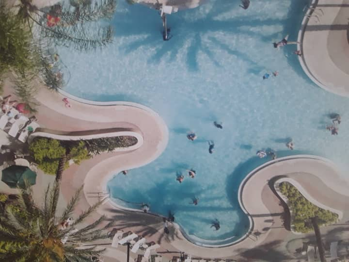 RESORT CERCA PARQUES DISNEY