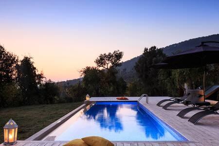 A picturesque mountain retreat - Kaş - Villa