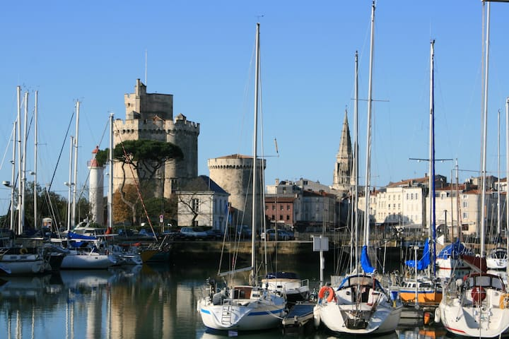 A2 Apartment, great location + Pool - La Rochelle - Huoneisto